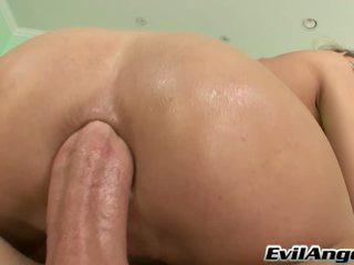 Sensuous seks porno ster serves beroemd mike adriano