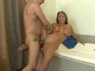 Soçniý gyzykly amber lynn bach getting jizzed on her meaty round jugs