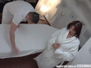 大 titted 老 has got laid 中