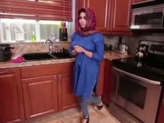 Arab bruneta adolescenta ada gets filled