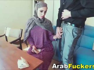 Arab cô gái tìm kiếm vì công việc lừa trong fucking