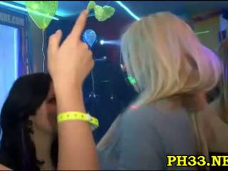 性別 狂歡 在 該 夜晚 俱樂部