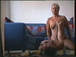 Sueca esposa a foder dela amigo r20