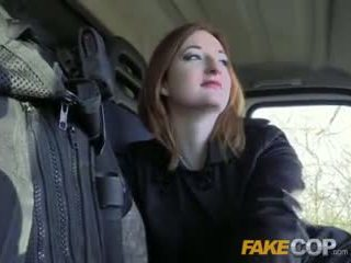Fake polis panas ginger gets fucked dalam cops van