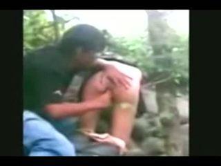 Indonesia- jilbab hijab dievča fucked podľa bf v a džungľa