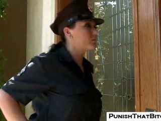 Curvy बिच claire dames gets मजबूर punishment द्वारा jenni