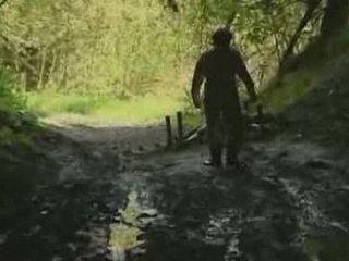 Asiatiskapojke flicka rape vid skogs video-