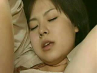 Мама и дъщеря going trough horror - луд японки лайна видео
