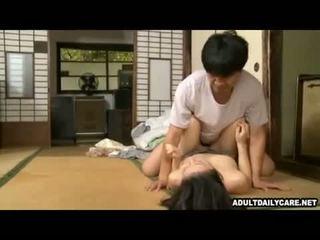 Jaapani maja teenija 001