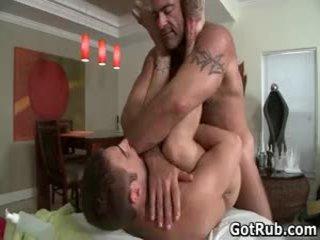 Urut pro dalam dalam dubur wrecking gay lucah 6 oleh gotrub
