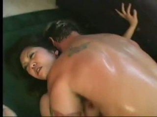 Giętkie azjatyckie kaiya lynn spreaads otwarte nogi having pikantny cunny bashed