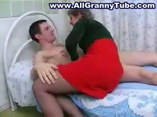Abuelita y grandson follando