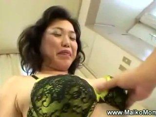 Rubbing trưởng thành maikos tóc rậm âm hộ