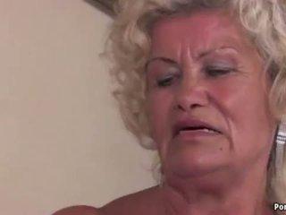 Gjysh screams ndërsa fucked i vështirë