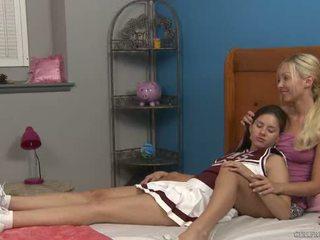 Shyla jennings และ aaliyah ความรัก ที่ cheer camp