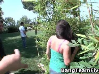 年輕的小亞洲人, asians suck balls, asians porno videa