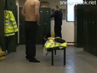 Rookie poli pillada desnudo!