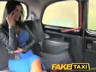 Faketaxi exótica stunner en oficina rotura taxi diversión