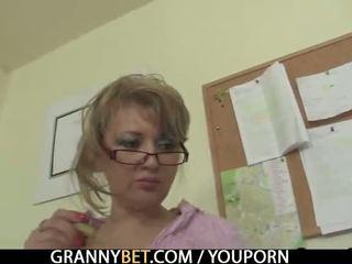 Kantoor dame enjoys rijden zijn rod