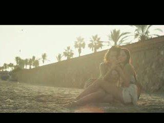 Aiko و chelsy لمس من شمس
