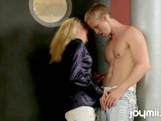 Čehi meitene adele rips no clothes