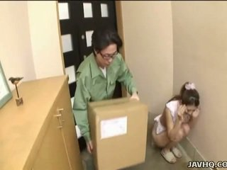 Doce japonesa jovem grávida forçado em broche