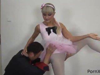 Freaky ballet dancer anita has feito amor wazoo durante o rehearsal