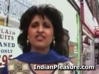 Fancy an 印度人