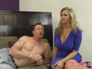 ボインの 熟女 julia ann jacks 彼に オフ とともに fake プッシー!