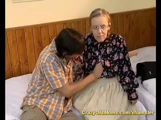 Ekstremalne włochate mama needs głębokie anal seks, porno a6