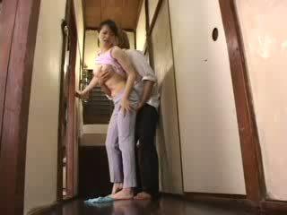 Ιαπωνικό καυλωμένος/η αγόρι attacked του μητριά βίντεο