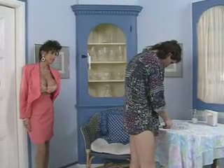 Tante & viņai friend's seduction