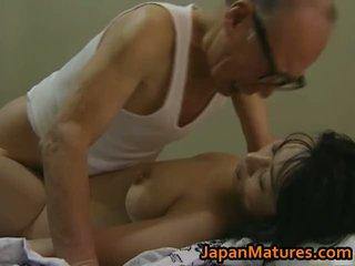 Quente asiática miúda has maduros sexo