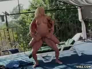 Blond ana nova loves being fucked ven doors