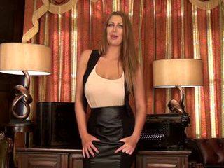 Leigh darby - perky bröstvårtor
