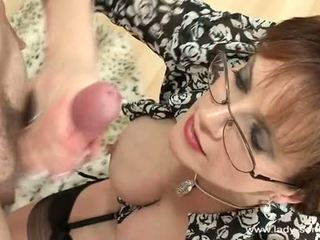 Lady sonia cums hard and loud
