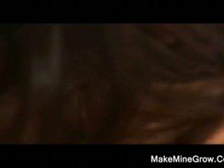 Nikki benz con attraente signore goditi ditalino fighe