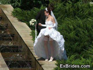 מתחת לחצאית, אחיד, brides