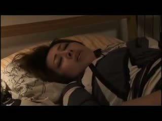 Yumi kazama - lepo japonsko milf
