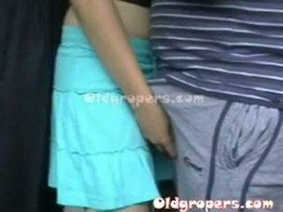 ישן אדם groping אישה whith חם גוף
