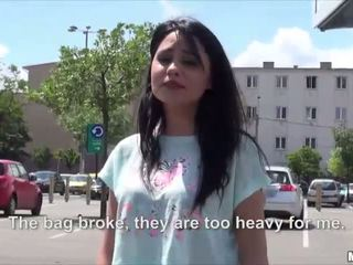 Sexy nxehtë rumune rides me një stranger