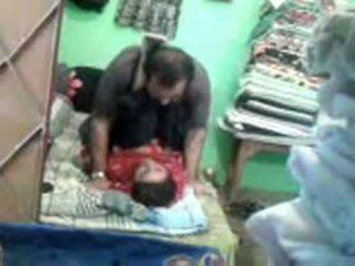 성숙한 뿔의 파키스탄의 두 enjoying 짧은 muslim 섹스 session
