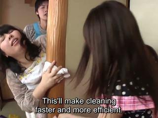 Subtitled japonez risky sex cu voluptuous mamă în