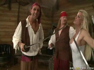 A kings wife down onto the pirates гігантський плоть sword