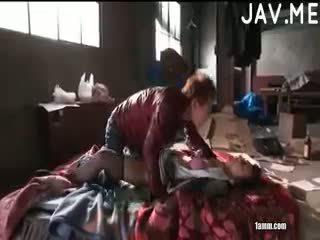 שחרחורת, יפני, מציצה