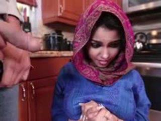 Ada a збуджена arab підліток gets трахкав і filled з сперма