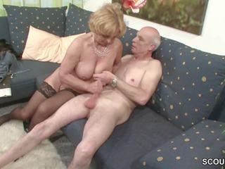 Oma und opa ficken das erste mal im porno fuer mirti rente
