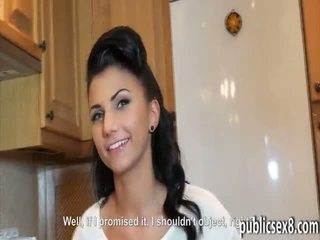 Çeke vajzë picked lart dhe pounded në exchange për para