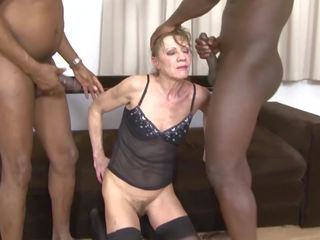 vanaemad, threesomes, interracial