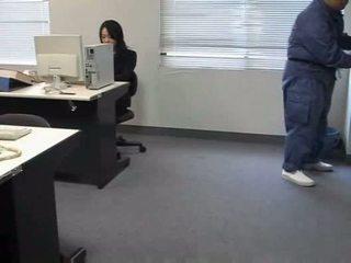 Molested uklamak ofis lady